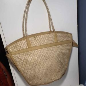 Bohemian style natural fibre beach bag